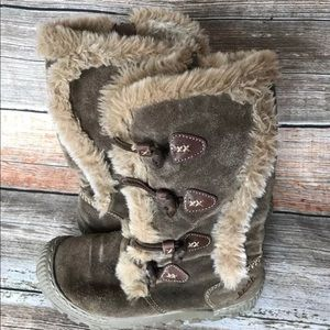 Organic Earth Boots size 6